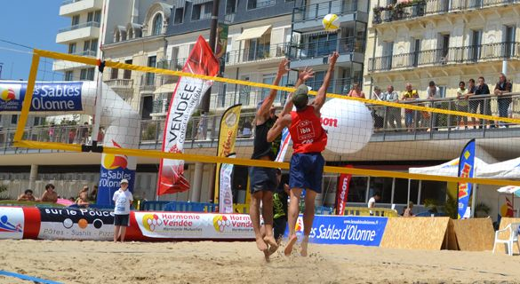 Match de Beach Volley aux Sables d'Olonne